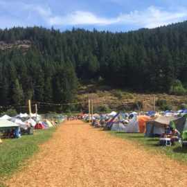 Comfortable Festival Camping – Is a Tent an Essential Item?